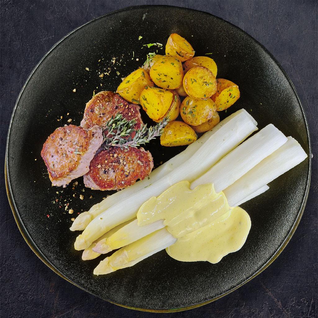 Spargel mit Soß Hollandaise, Schweinemedaillons & Rosmarinkartoffeln